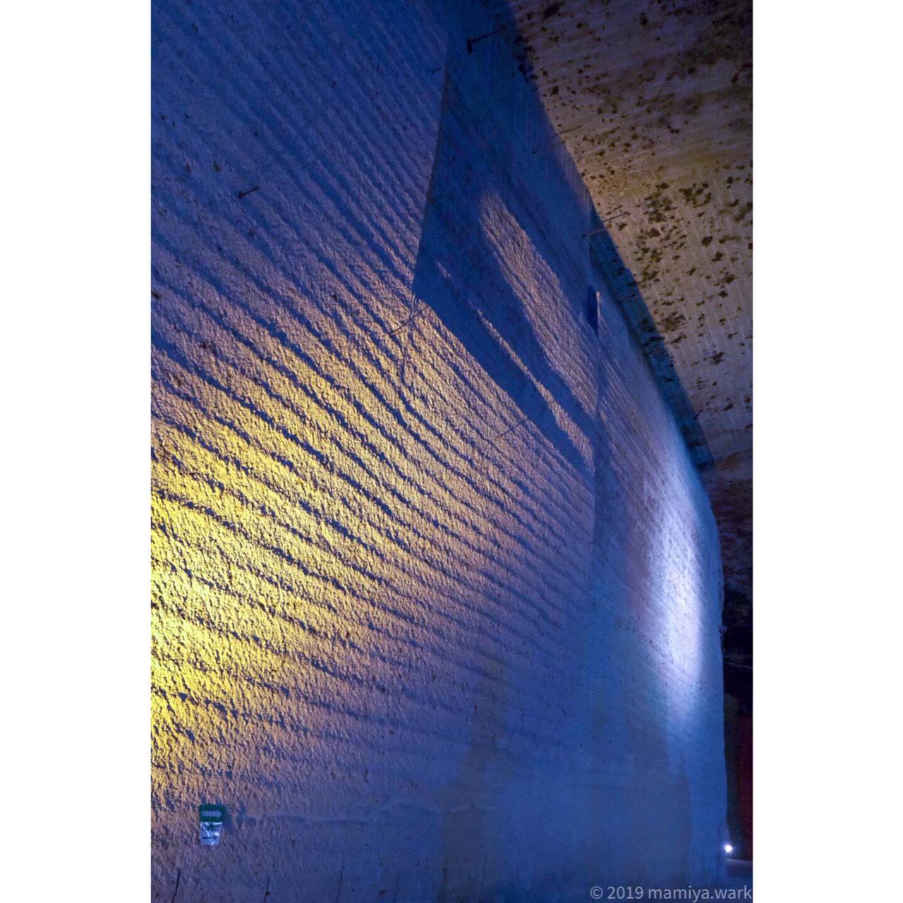壁ライトアップ青