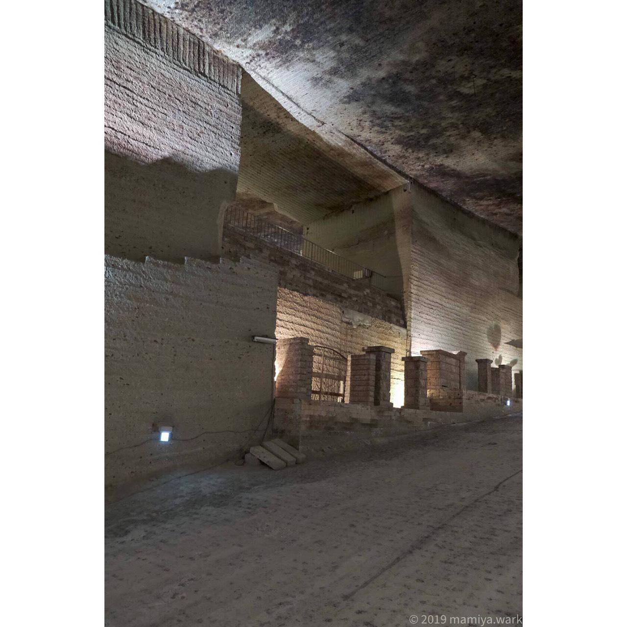 大谷石が門扉に使われれている例にハート