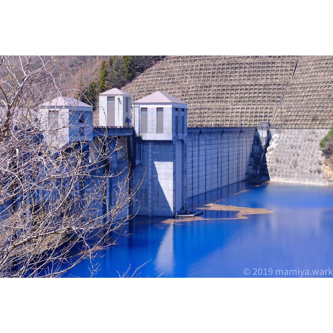 ダムの内側