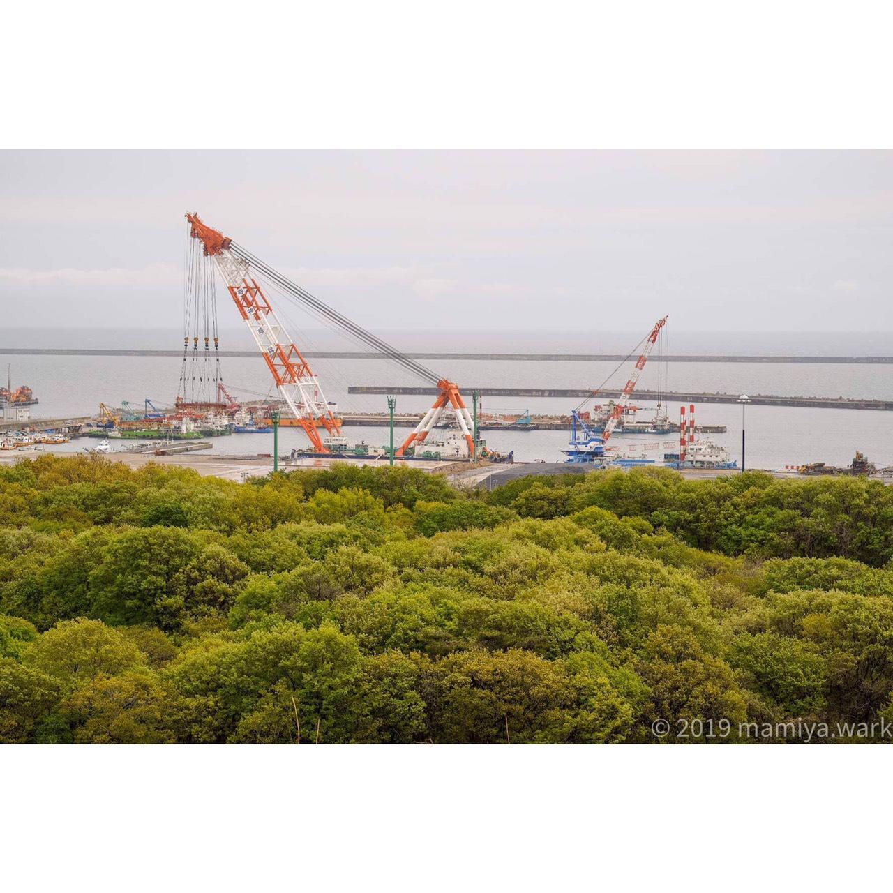 海沿い工場1