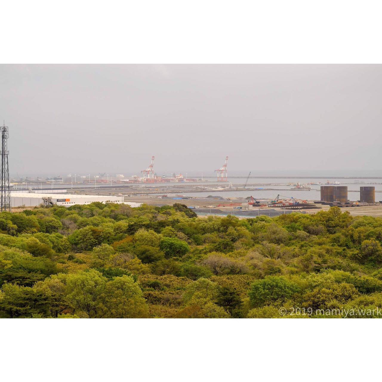 海沿い工場2