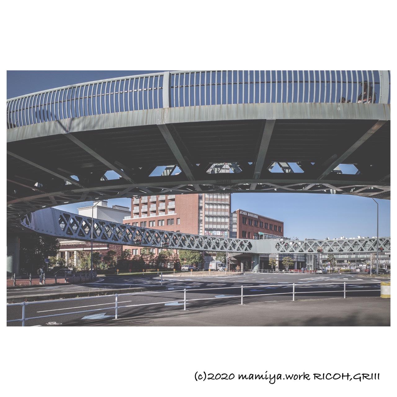 珍しい歩道橋